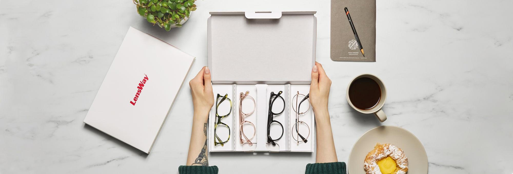 Så gör du för att prova glasögon hemma