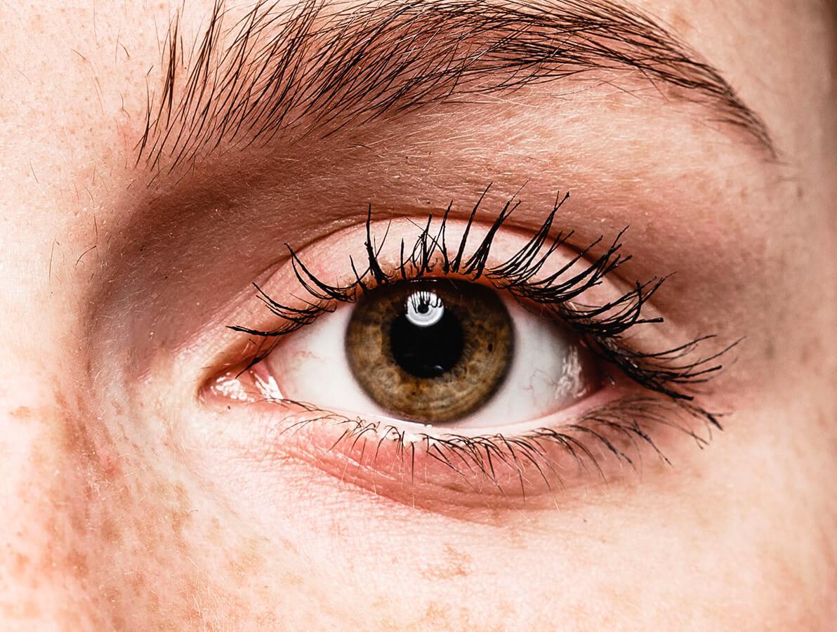 Hvorfor får vi tørre øyne?