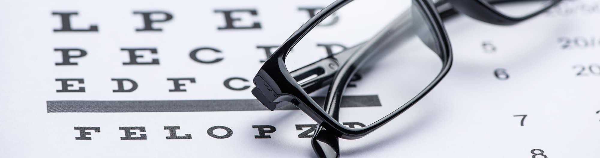 Vad är astigmatism och brytningsfel?